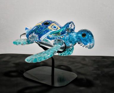 honu turtle at moana glass studio