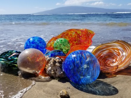moana glass artwork at the beach