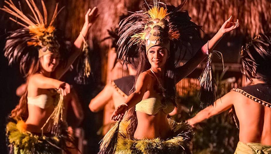Royal Lahaina Luau Dancers